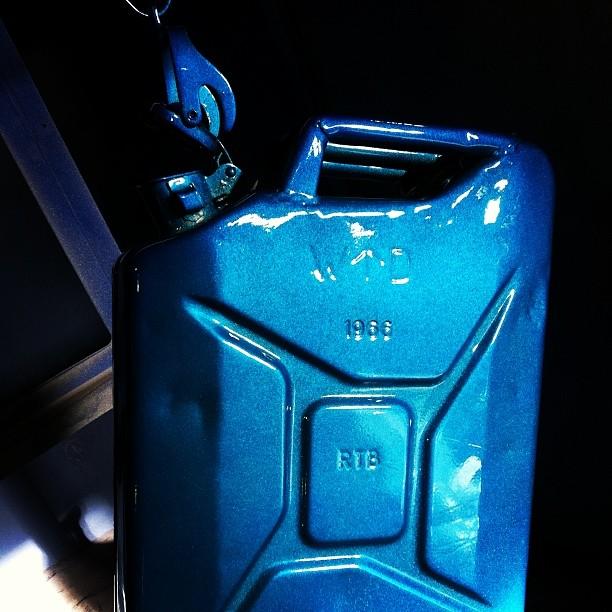 Custom petrol can.  #powdercoating #custompainting#beadblasting#motorsport#motocross#
